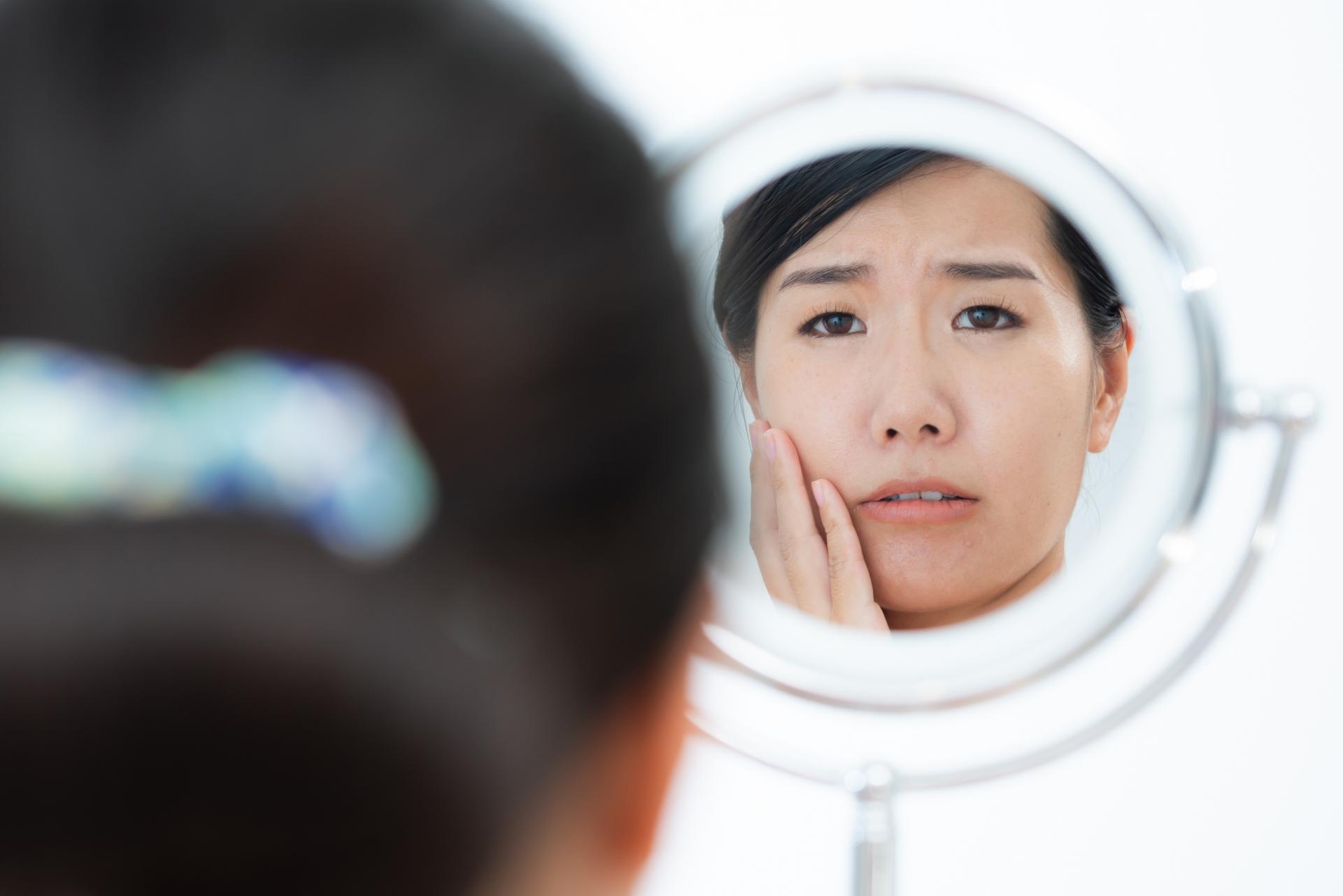 鏡を見るのが憂鬱〜!